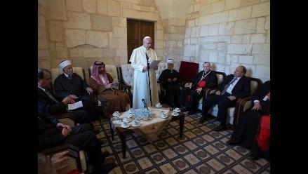 Papa pide que nunca más se repita una monstruosidad como el holocausto