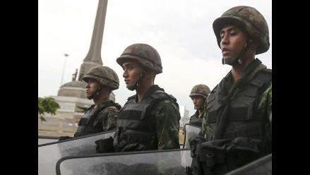 Junta militar de Tailandia reduce el toque de queda a solo la madrugada