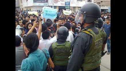 Chiclayo: universitarios protestan y piden liberación de 5 detenidos