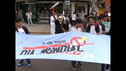 Piura: médicos y población marchan contra el tabaco