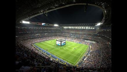 UEFA clausura dos sectores del Bernabéu por exhibición de bandera nazi