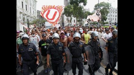 Enfrentamientos entre barristas de Alianza y la U en el puente Atocongo