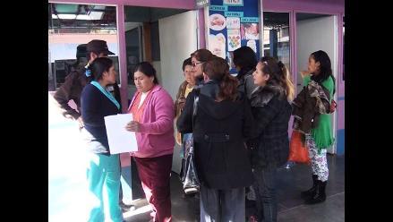 Arequipa: pacientes de EsSalud piden cita médica pese a huelga indefinida