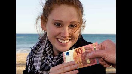 BCE distribuye folletos informativos del nuevo billete de 10 euros