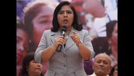 Ministra Jara pide a Lay reconsiderar su renuncia y volver a Ética