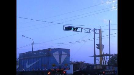 Trujillo: Instalan semáforos en zonas estratégicas de Moche
