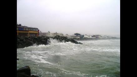 Trujillo: 46 viviendas de Las Delicias en riesgo por fuerte oleaje