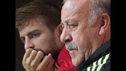 Piqué confiesa a Del Bosque que Fábregas se va de Barcelona por 33 millones