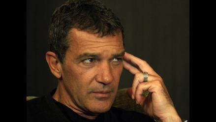 Antonio Banderas fue captado con otra mujer en Cannes