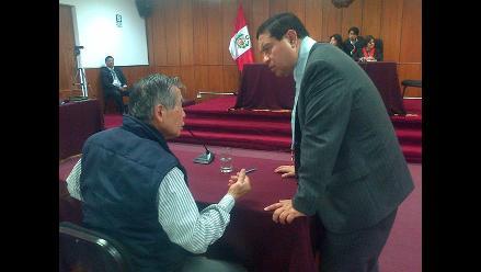 Fujimori denuncia ´seria obstrucción´ a su derecho de defensa