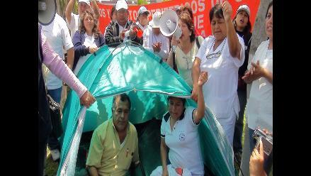Médicos del Minsa radicalizan protesta con huelga de hambre