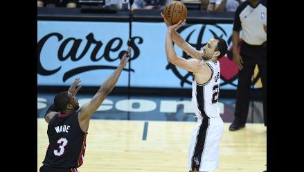Dwyane Wade multado con 5 mil dólares por simular falta en Finales de NBA