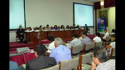 Arequipa: con medidas de seguridad se realiza audiencia de Sunass