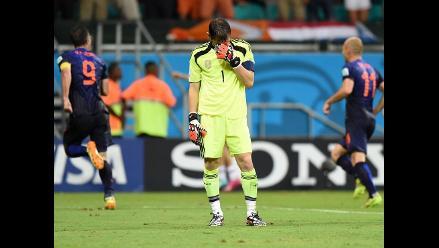 Holanda dio el batacazo del Mundial al golear 5-1 al campeón España