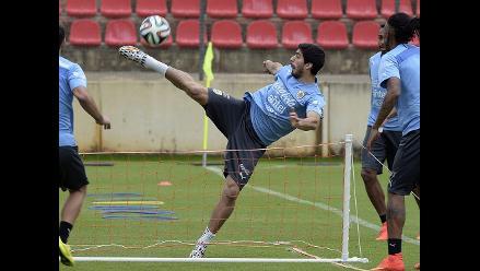 Brasil 2014: Suárez continúa entrenando para futuros partidos