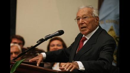 Líder histórico del PPC dice confiar en decencia de Susana Villarán