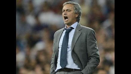Mourinho: La selección española está herida y no puede fallar más