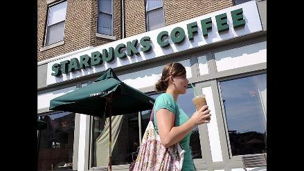 Starbucks subvencionará estudios universitarios para sus empleados