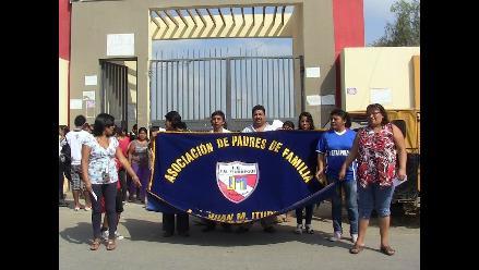 Lambayeque: acción de padres pide cambio de director de colegio Iturregui