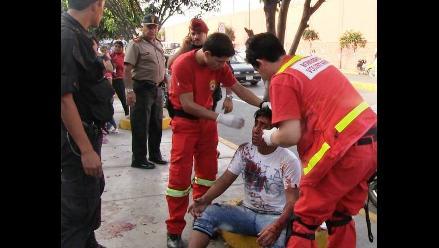 Trujillo: Presunto ladrón recibe brutal golpiza de transeúntes