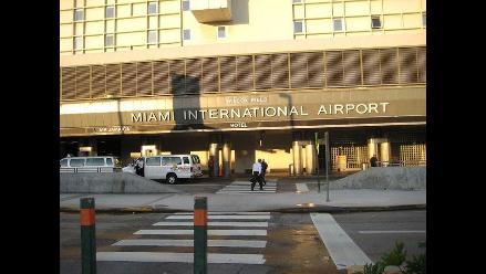Falsa alarma de bomba paraliza durante una hora aeropuerto de Miami