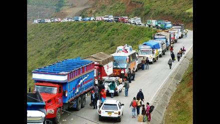 San Martín: vehículos varados en cuarto día de huelga en Juanjui