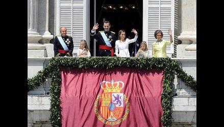 El saludo de la familia real desde el balcón del Palacio