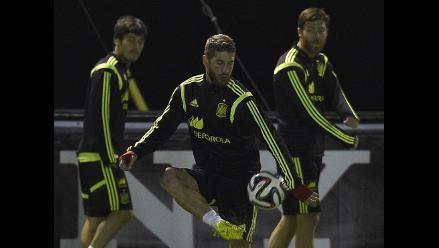 España regresa con caras largas a los entrenamientos tras la eliminación
