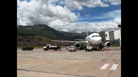 Cusco: pasajeros muestran incomodidad ante postergación de vuelos