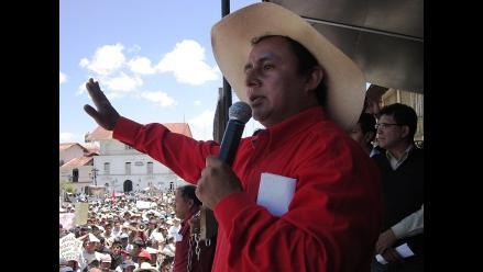 Cajamarca: simpatizantes apoyan con vigilia a su líder Gregorio Santos