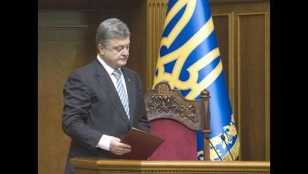 Poroshenko invita a Putin a aceptar el plan de paz