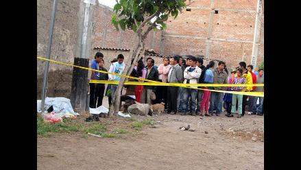Cuerpo de menor fue hallado enterrado en patio de su vivienda en VES