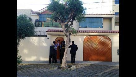 Delincuentes roban casa de alcalde provincial de Arequipa