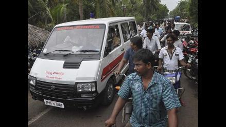 Al menos siete muertos al derrumbarse un edificio en Nueva Delhi