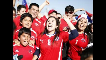 Chile recibe como héroes a jugadores pese a eliminación de Brasil 2014