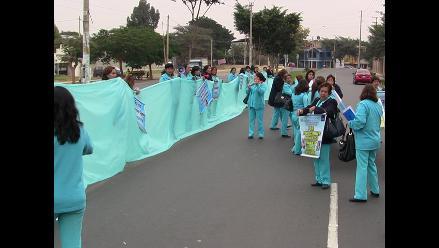 Ica: enfermeras realizan plantón ante presencia de ministra de Salud