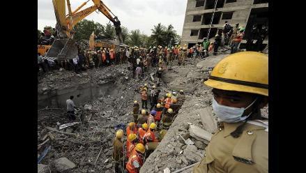 Aumentan a 41 los muertos por derrumbe de edificio en la India