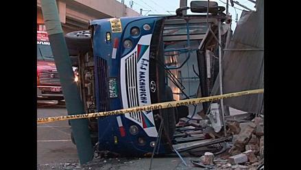 San Borja: doce heridos en accidente vehicular