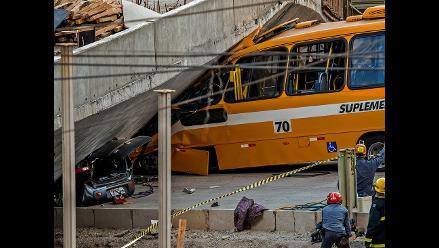 Brasil: Dos muertos y 19 heridos al caer autopista en Belo Horizonte