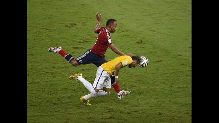 Neymar quedó fuera del Mundial Brasil 2014 por fractura de vértebra