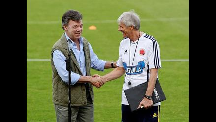 Presidente Santos pide continuidad de Pekerman con la selección Colombia