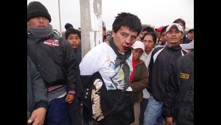 Ica: pobladores capturan a delincuente y lo atan a poste
