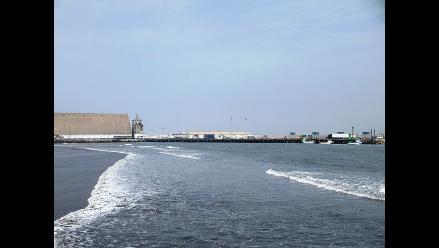 Trujillo: Reabren puerto de Salaverry tras cinco días de fuerte oleaje
