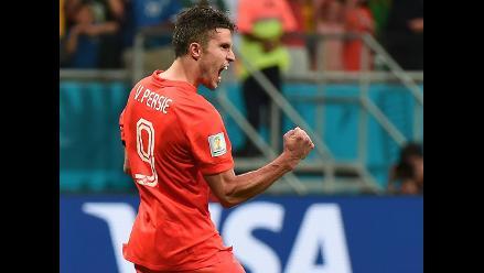 Robin Van Persie con problemas intestinales previo al duelo con Argentina