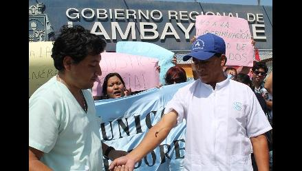 Lambayeque: trabajador de Salud se desangra por nivelación de sueldos