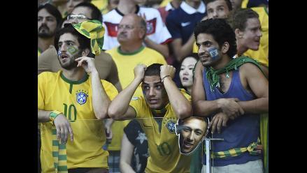 Brasil y sus hinchas frustrados por tremenda goleada de Alemania