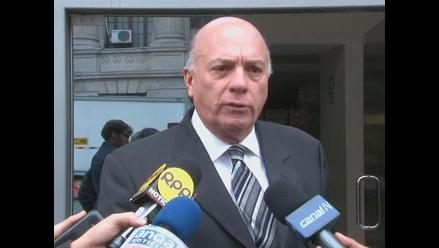 León dice que Echaíz recibió instrucciones de García para que lo acusen