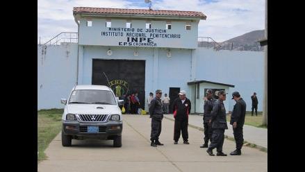 Mujer intentó ingresar celular en sus partes íntimas a penal de Cajamarca