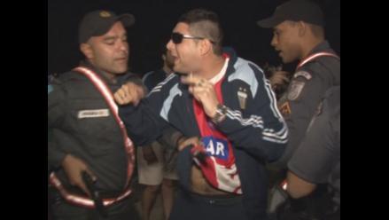 Hinchas argentinos generan disturbios en las playas de Copacabana