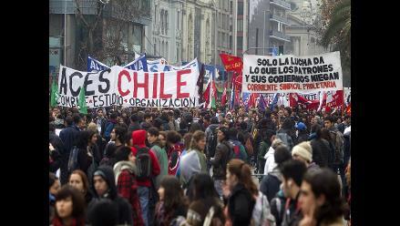Chile: Trabajadores marchan por la